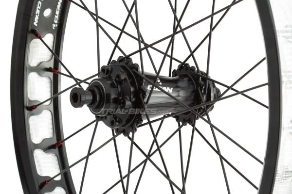 "Clean X3 19"" Rear Disc Wheel with 12mm through-axle"