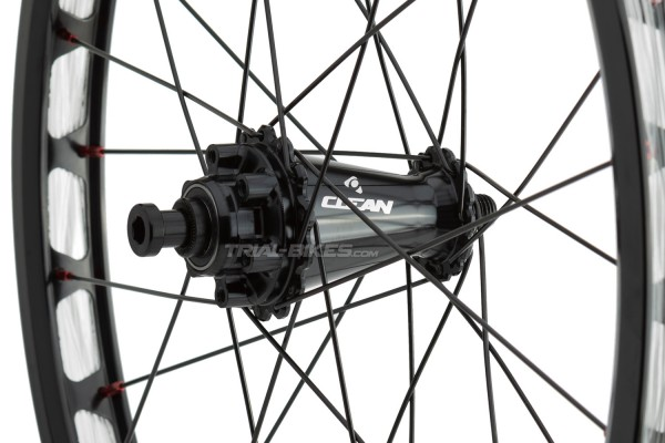 """Clean X3 20"""" Front Disc Wheel with 12mm through-axle"""