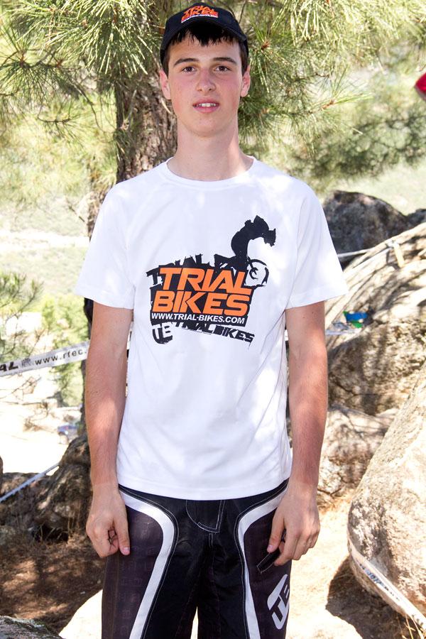 Sergio Martinez del equipo Trial-Bikes en el campeonato de España de Trial Bici de Pedro Bernardo