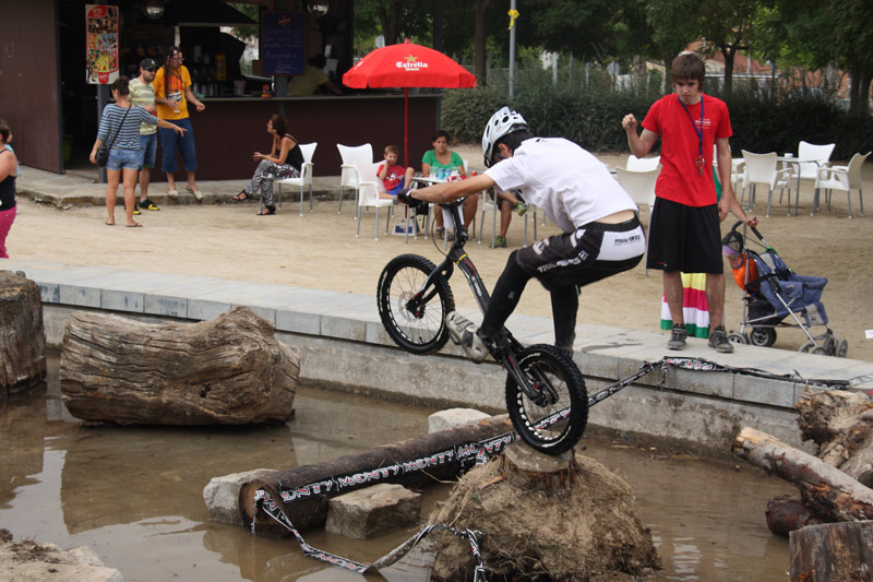 Enrico Mallonga en el Campeonato del mundo de Trial Bici en Igualada