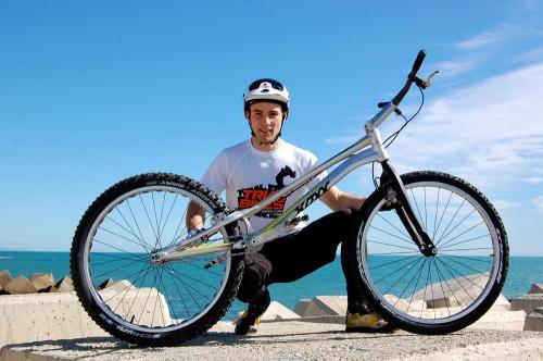 Joan figueras nuevo rider de Trial-Bikes