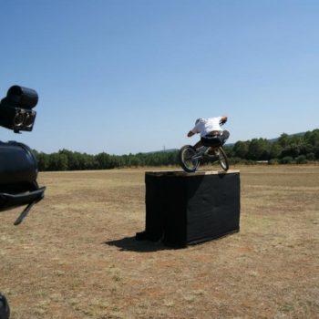 Aprender la subida lateral con bicicleta de trial